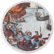 Pirates Burn Havana, 1555 Round Beach Towel by Photo Researchers