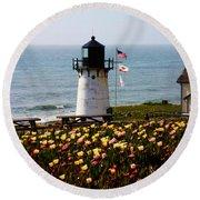 Point Montara Lighthouse Vista Round Beach Towel