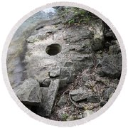 Pot Hole In Niagara River Round Beach Towel