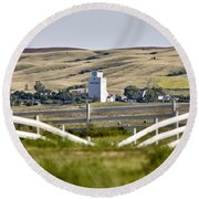 Prairie Town With Elevator Round Beach Towel