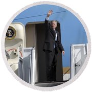 President George Bush Waves Good-bye Round Beach Towel