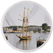 Pride Of Baltimore II Pb2p Round Beach Towel