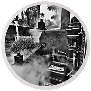 Puffing Billy Black And White V2 Round Beach Towel