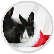 Rabbits In Hat Round Beach Towel