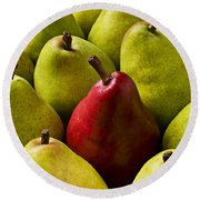 Red And Green Pears  Round Beach Towel