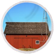 Red Barn And Windmill Round Beach Towel
