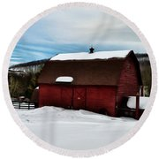 Red Barn In The Snow Round Beach Towel