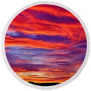 Red Clouds Dawn With Mount Rainier Round Beach Towel