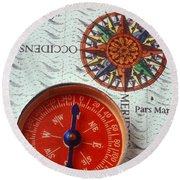 Red Compass And Rose Compass Round Beach Towel