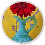 Red Daisy In Grape Vase Round Beach Towel