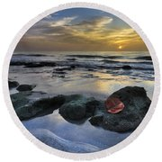 Red Leaf At Dawn Round Beach Towel