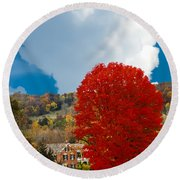 Red Maple White Cloud Round Beach Towel