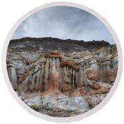 Red Rock Canyon Cliffs Round Beach Towel