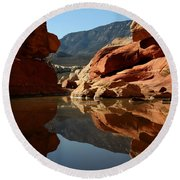 Red Rock Canyon Water Round Beach Towel
