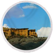 Red Rock In New Mexico Round Beach Towel