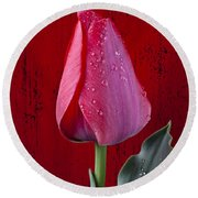 Red Tulip With Dew Round Beach Towel