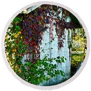 Red Vine Shed Round Beach Towel
