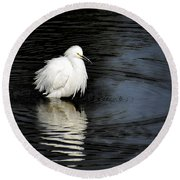 Reflections Of An Egret  Round Beach Towel