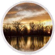 Rising Sun At Crane Hollow Round Beach Towel