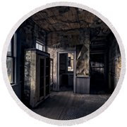 Roe - Graves House Kitchen Of Bannack Ghost Town - Montana Round Beach Towel