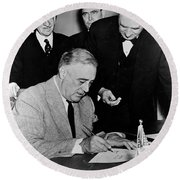 Roosevelt Signing Declaration Of War Round Beach Towel