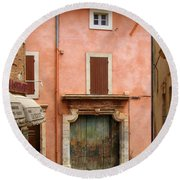 Roussillon Painted Door Round Beach Towel
