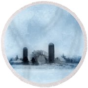 Rural Farm In Winter Round Beach Towel