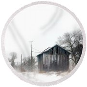 Rural Road By A Shack In Winter Round Beach Towel