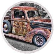 Rusty Old Truck  Round Beach Towel