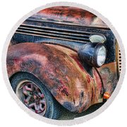 Rusty Truck Hood And Fender Round Beach Towel