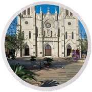 San Fernando Cathedral Round Beach Towel