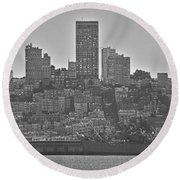 San Francisco Skyline-black And White Round Beach Towel