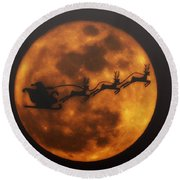 Santa Across The Sky Round Beach Towel