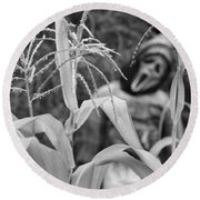 Scarecrow In The Corn Black And White Round Beach Towel