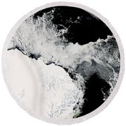 Sea Ice In The Southern Ocean Round Beach Towel