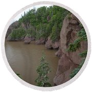 Seastacks At Hopewell Rocks Round Beach Towel