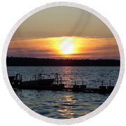 Settling In Round Beach Towel