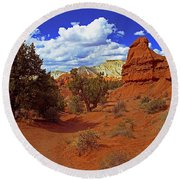 Shakespeare Trail In Kodachrome Park Round Beach Towel