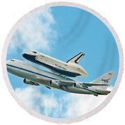 Shuttle Enterprise Comes To Ny Round Beach Towel