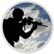 Silhouette Of A Soldier Round Beach Towel