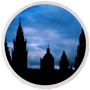 Silhouette Of Spanish Church Round Beach Towel