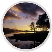 Silhouette Of Trees On The Riverbank Round Beach Towel