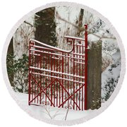 Single Red Gate Round Beach Towel