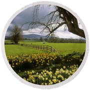 Slievenamon, Ardsallagh, Co Tipperary Round Beach Towel