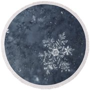 Snowflake In Blue Round Beach Towel