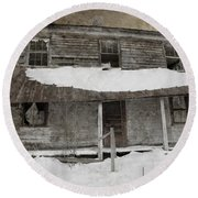 Snowy Abandoned Homestead Porch Round Beach Towel