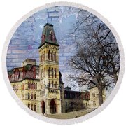 Soldiers Home And Brick Round Beach Towel