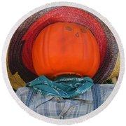 Sombrero Scarecrow Round Beach Towel