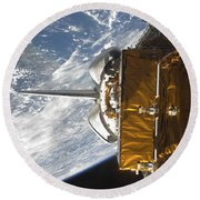 Space Shuttle Atlantis Payload Bay Round Beach Towel