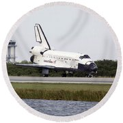 Space Shuttle Discovery On The Runway Round Beach Towel